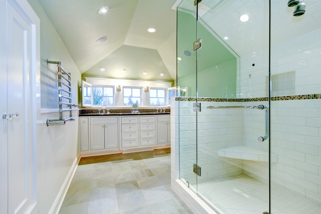 cleand and spacious home bathroom
