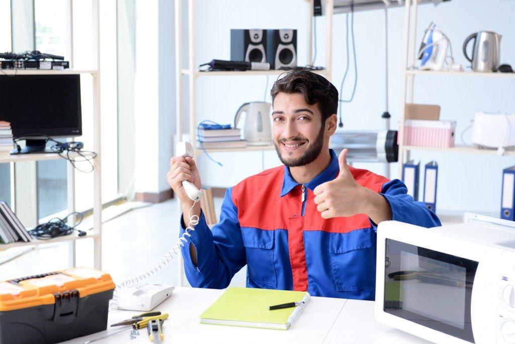 gadget repair business