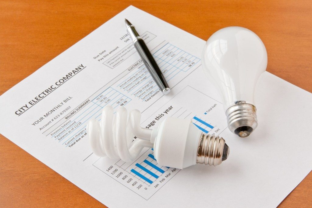 Energy efficient lightbulbs on home electric bill