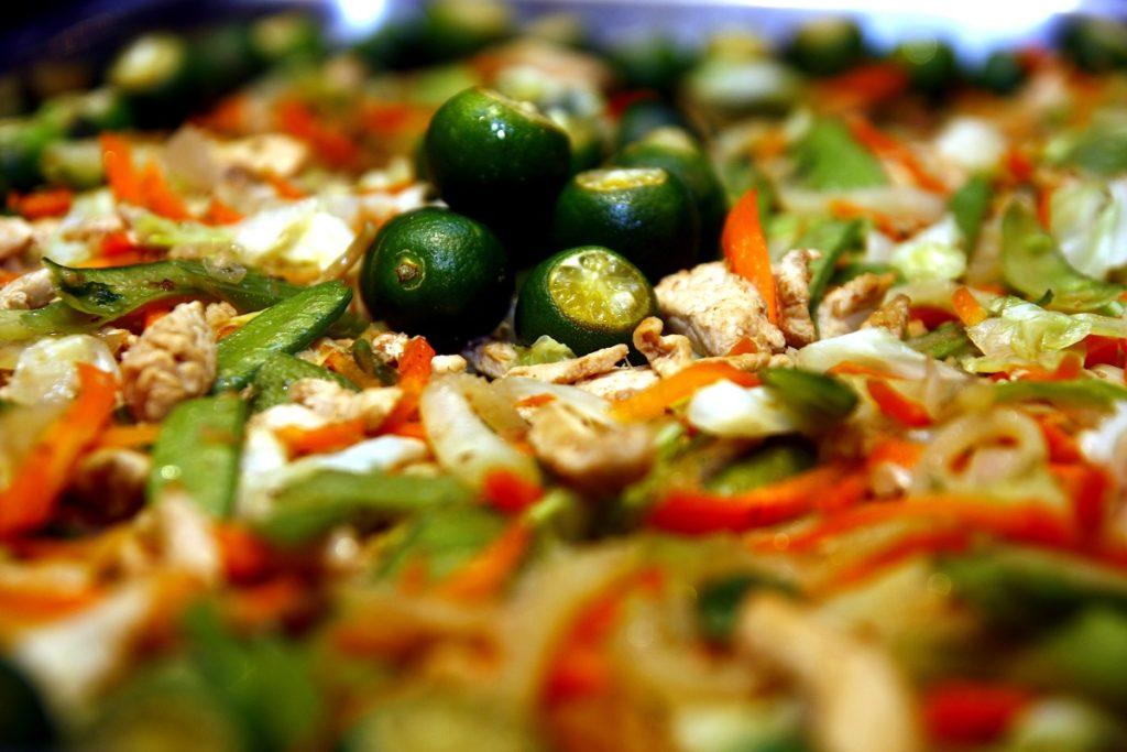 Filipino food Pansit
