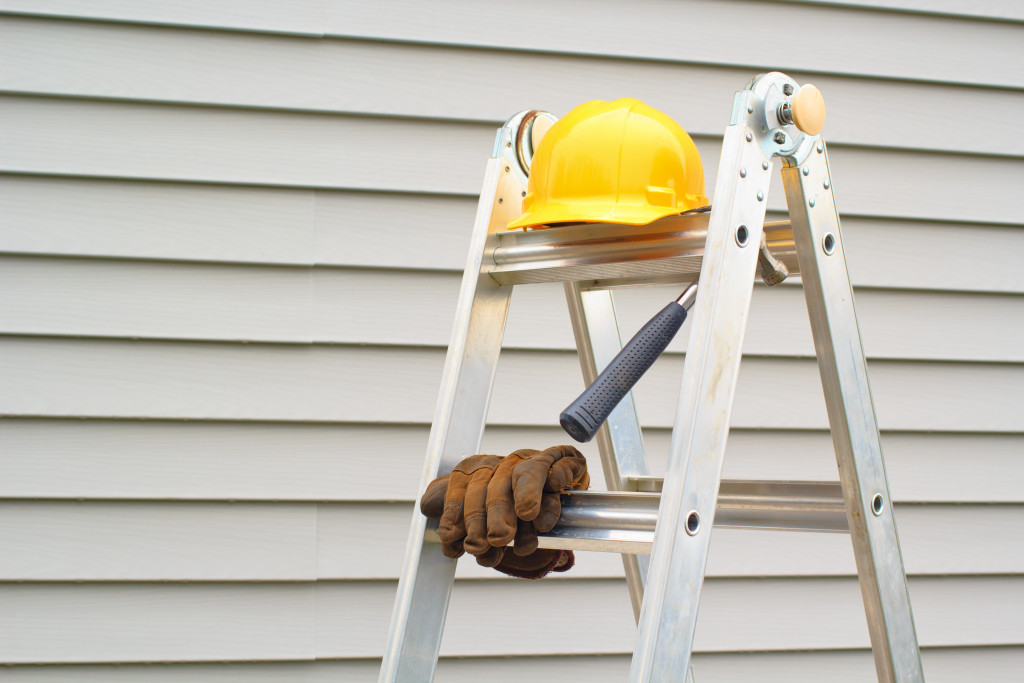 siding and repair equipment